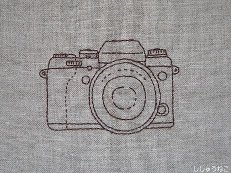 刺繍でカメラ2