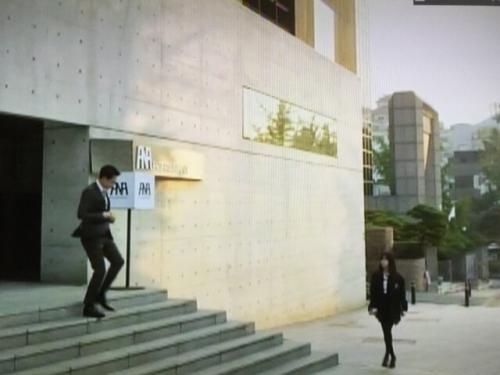 ヒョヌクの芸能事務所