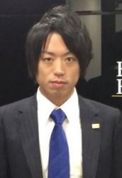 prof_akita.jpg
