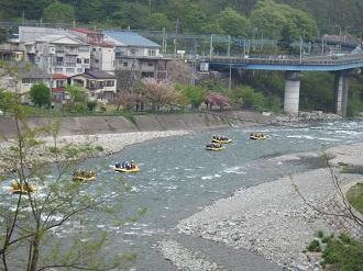 利根川に流される者