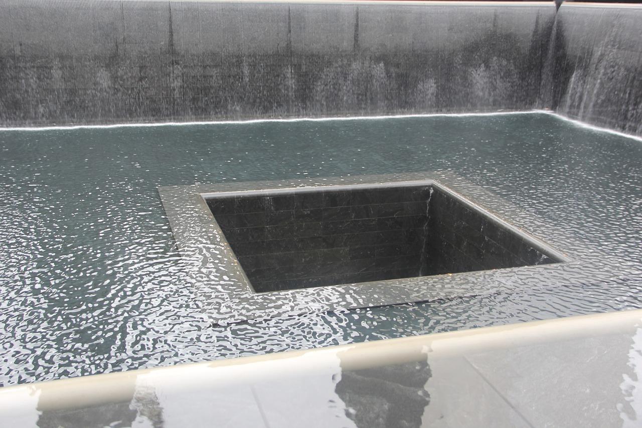 memorial-652680_1280.jpg