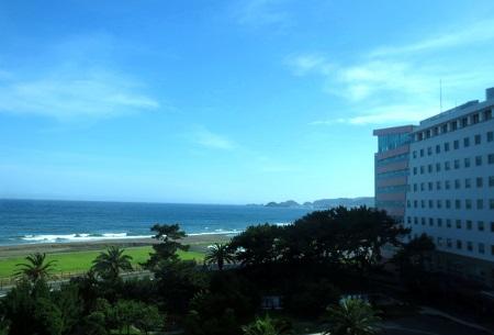 IMG_8562病院と海