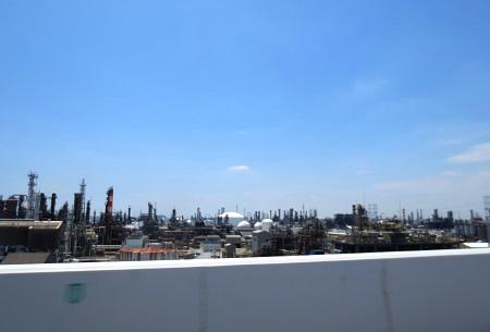 IMG_8575アクアライン沿いの工場