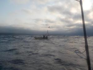 DSCN2019 トシさんと荒れた海