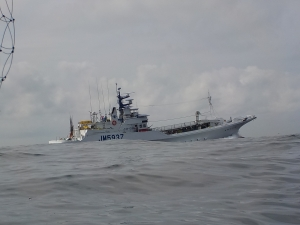 DSCN2075 カツオ船がよく通る