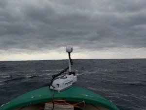 DSCN2449 11あたりから風向きが南風になって少しアレてきた