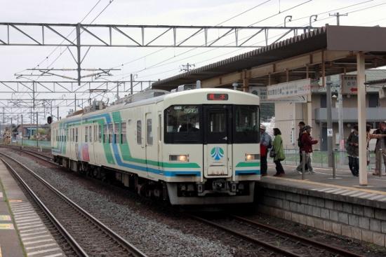 ㉑槻木駅 (550x367)