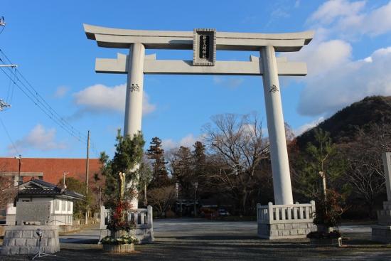⑧新宮八幡神社 (550x367)