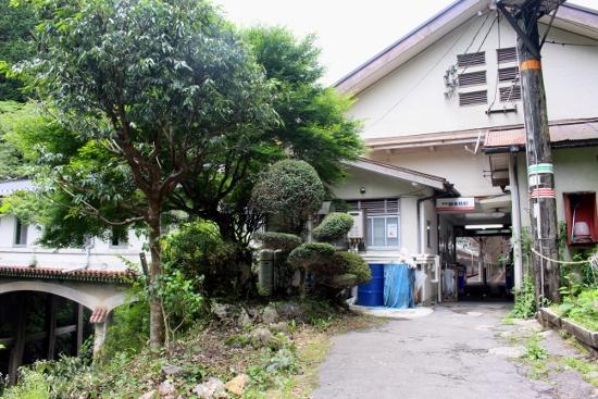 ⑪極楽橋駅 (550x367)