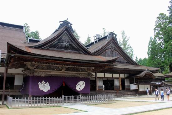 ⑥金剛峰寺 (550x367)