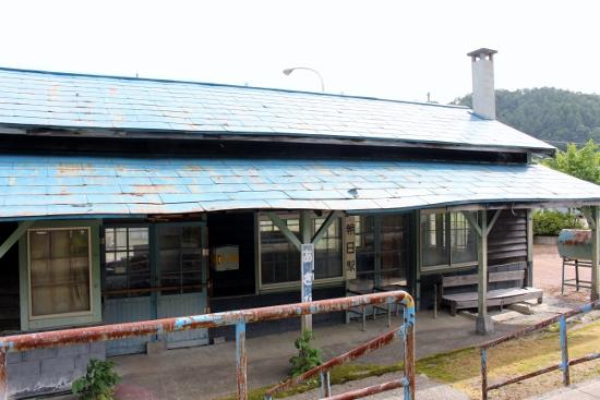②駅舎ホーム側