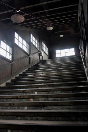 ⑧跨線橋階段