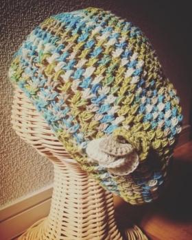 写真 新緑のベレー帽 縦