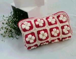 コイル編みポーチ1