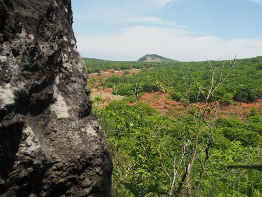 20160529・群馬ツツジ旅4-03・スルス岩、下の岩