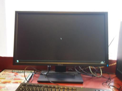 20160827・パソコン修理中・ネットカフェの空21
