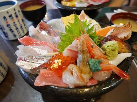 いきいき亭の海鮮丼
