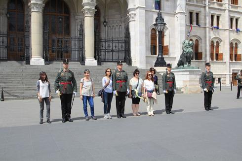 ブダペスト国会議事堂衛兵交代式-16