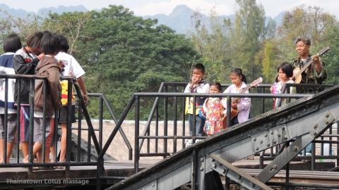 SRTクウェー川駅(戦場にかける橋)