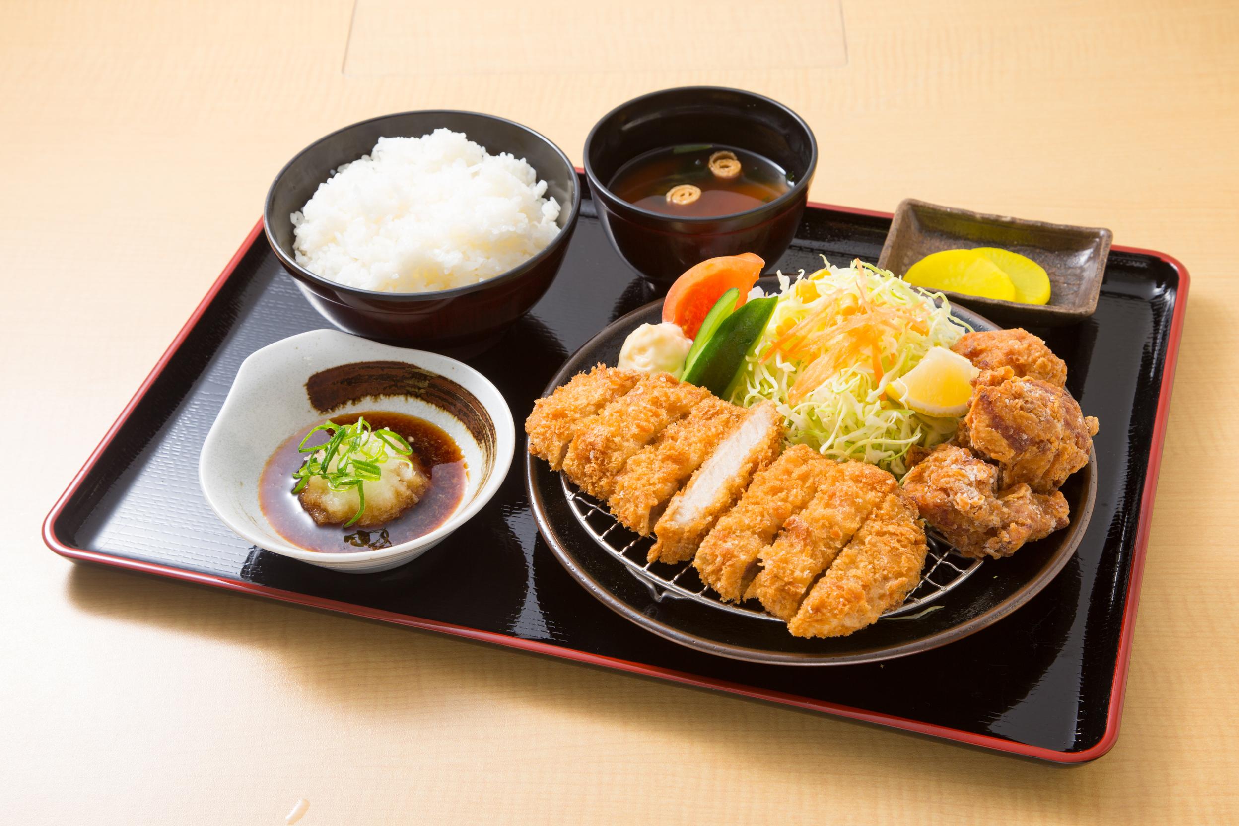 とんかつ&鶏の唐揚げ定食¥820-thumb-2496x1664-188