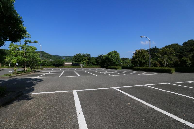 とべ動物園の駐車場 (車が1台もいない時は・・・)