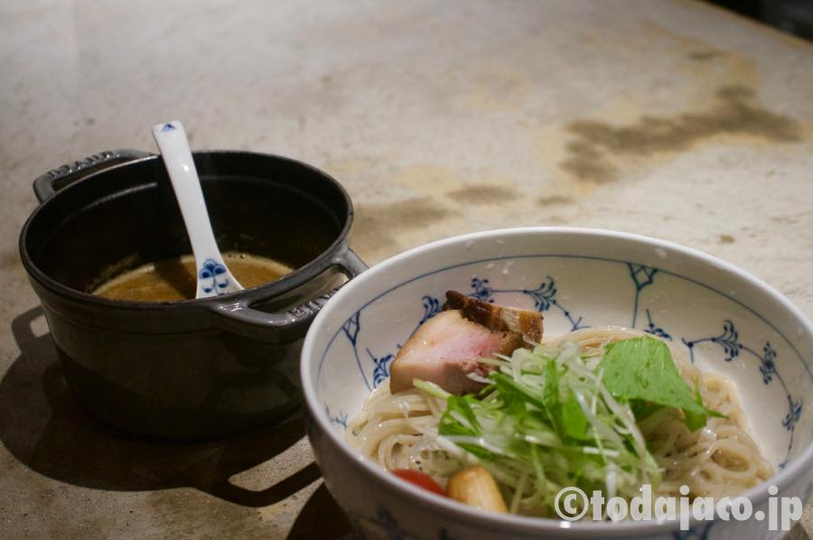 嫁さんは重層スープのつけ麺