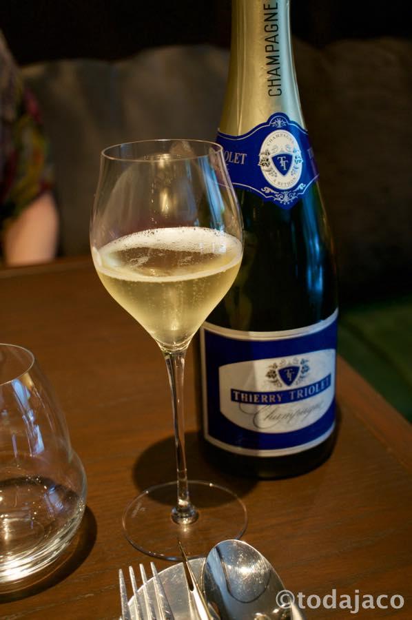 シャンパーニュで乾杯
