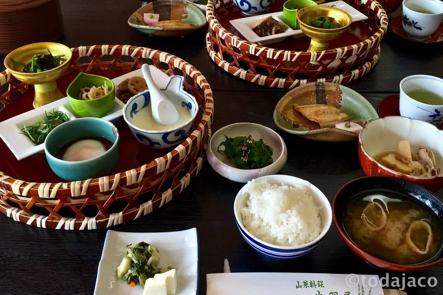 山菜の宿 出羽屋の朝食