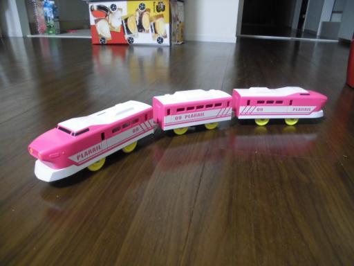 プラレール特急ピンク