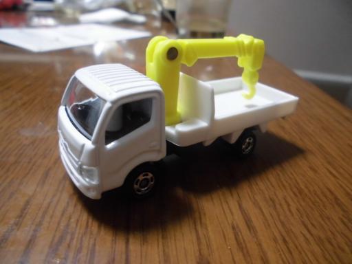 日野デュトロクレーン車