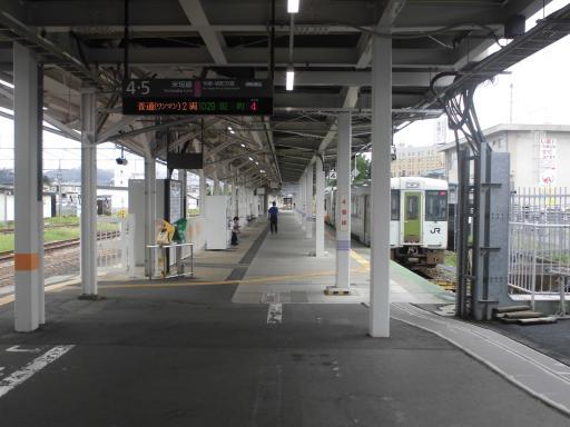 米沢駅米坂線ホーム