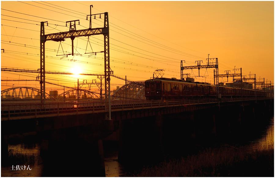 夕景と電車2