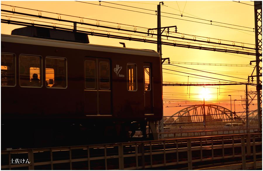 夕景と電車3