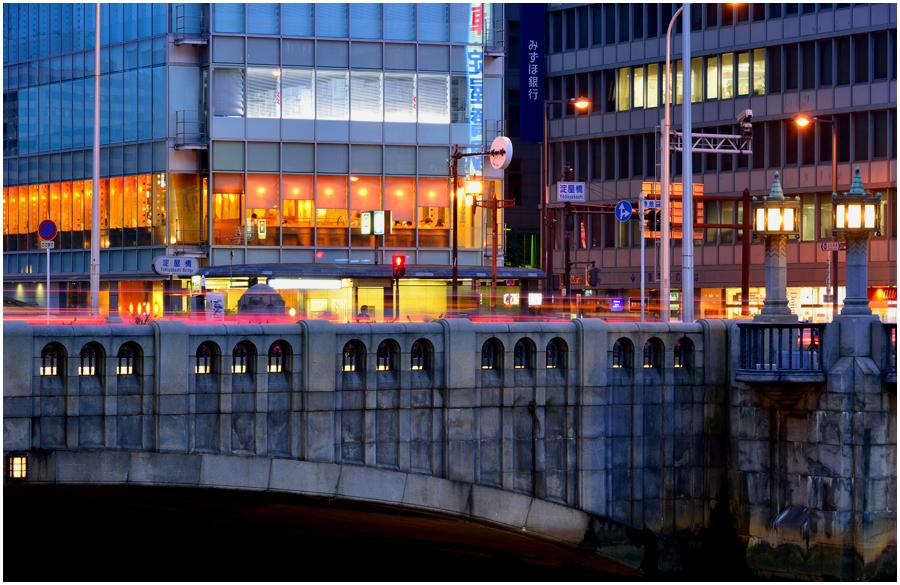 大阪の街灯り・助手1
