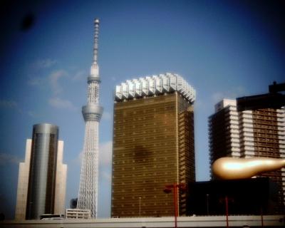 東京スカイツリーと月:Entry