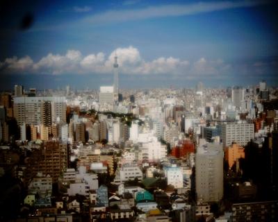 東京スカイツリーと雲の列:Entry・文京シビック