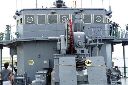 艦橋・機関砲-f DSC05504