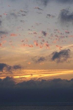 ちぎれ雲夕焼け4-7-19-04 DSC05279
