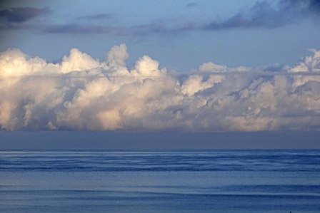 白雲と海5-19-6-41 DSC06469