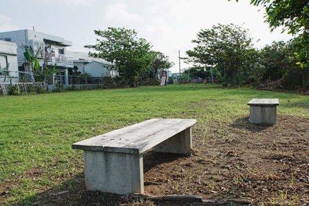 やどかり公園ベンチ DSC04601