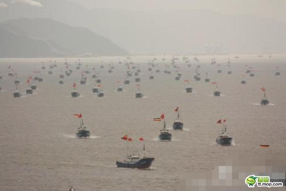 中国武装漁船団20120917