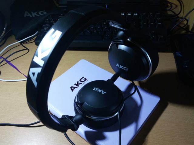 AKG_K182_01.jpg