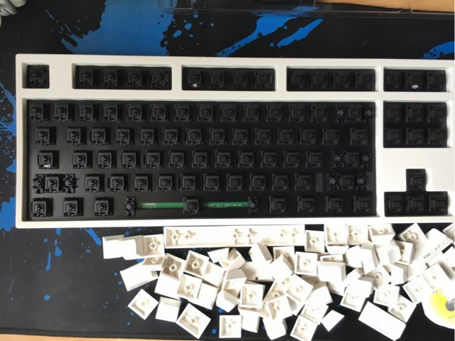 CyberClean_Keyboard_07.jpg