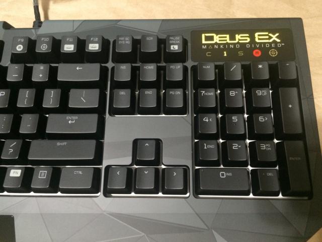 Deus_Ex_Razer_BlackWidow_Chroma_06.jpg