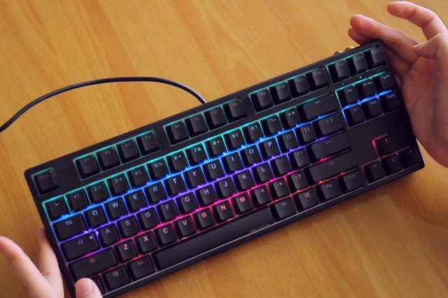 Ducky_ONE_TKL_RGB_05.jpg