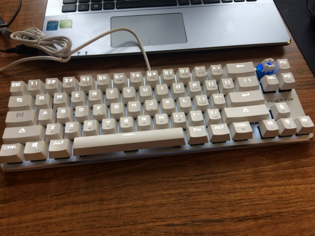 Mechanical_Keyboard70_05.jpg