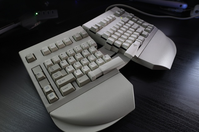 Mechanical_Keyboard70_30.jpg