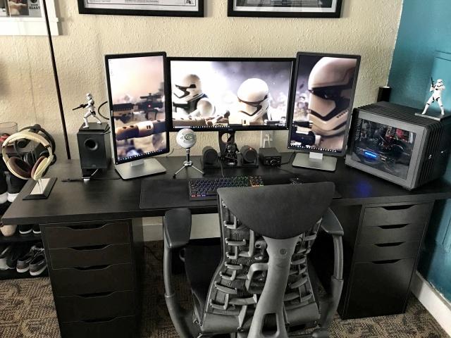 PC_Desk_MultiDisplay65_01.jpg