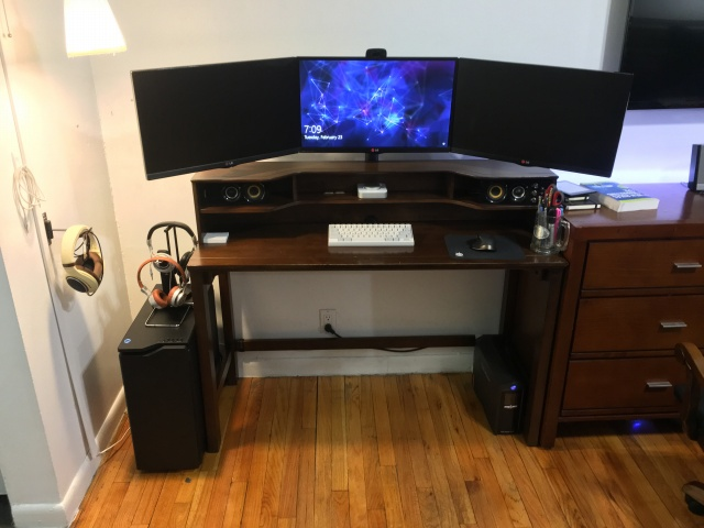 PC_Desk_MultiDisplay65_07.jpg