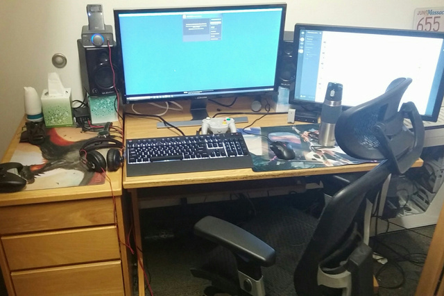 PC_Desk_MultiDisplay66_45.jpg